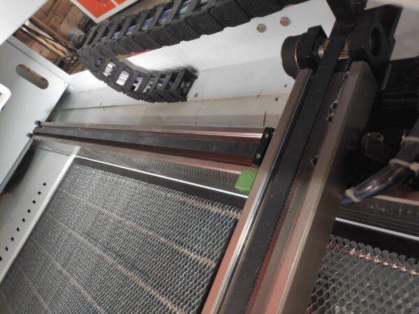 لیزر سایز 100در 160 سیستم حرکتی غلطکی